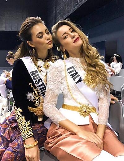 HHen Niê và dàn người đẹp Miss Universe diện váy truyền thống của Thái - ảnh 6