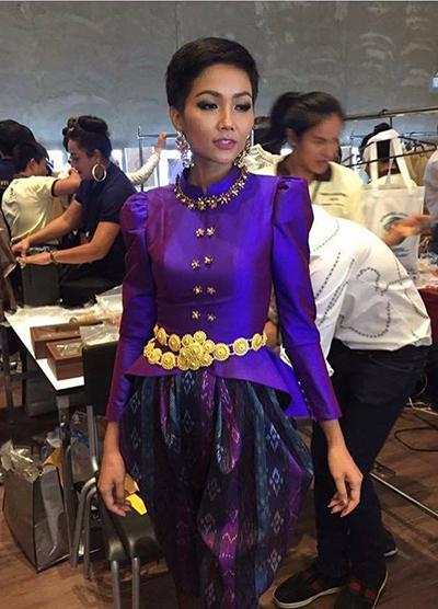 HHen Niê và dàn người đẹp Miss Universe diện váy truyền thống của Thái - ảnh 3