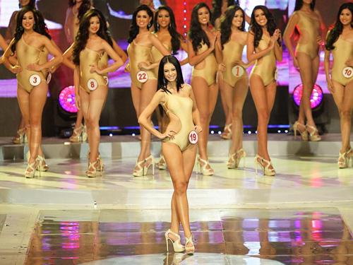 Khan gia phan doi Miss World chon top 5 theo khu vuc
