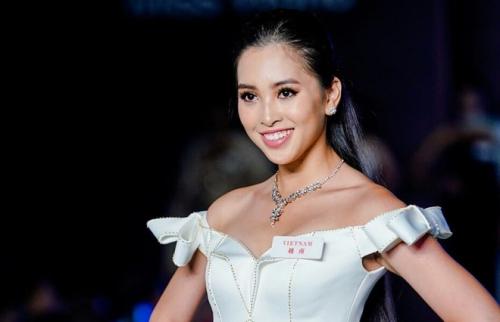 Tieu Vy Toi khong hoi han vi hat Lac troi o Miss World
