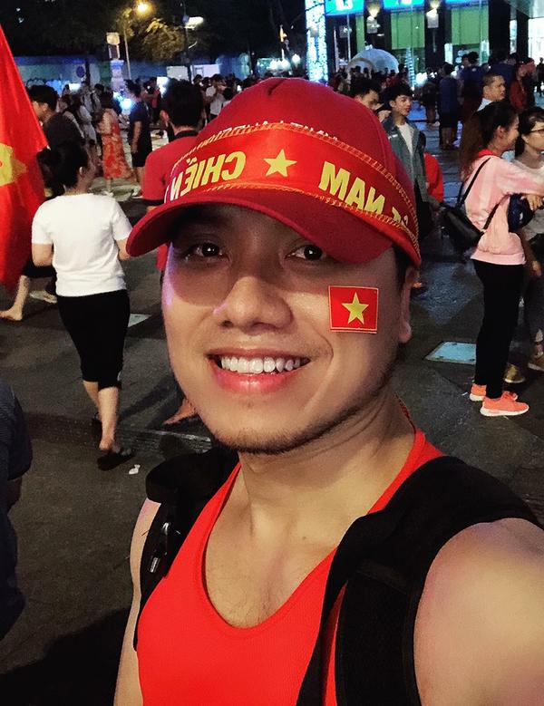 Sao Viet hai long xen lan tiec nuoi khi Viet Nam hoa Malaysia