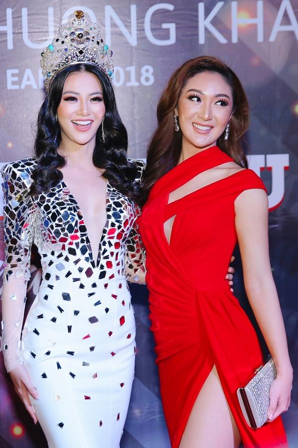 Phuong Khanh doi vuong mien Miss Earth o tiec tai TP HCM