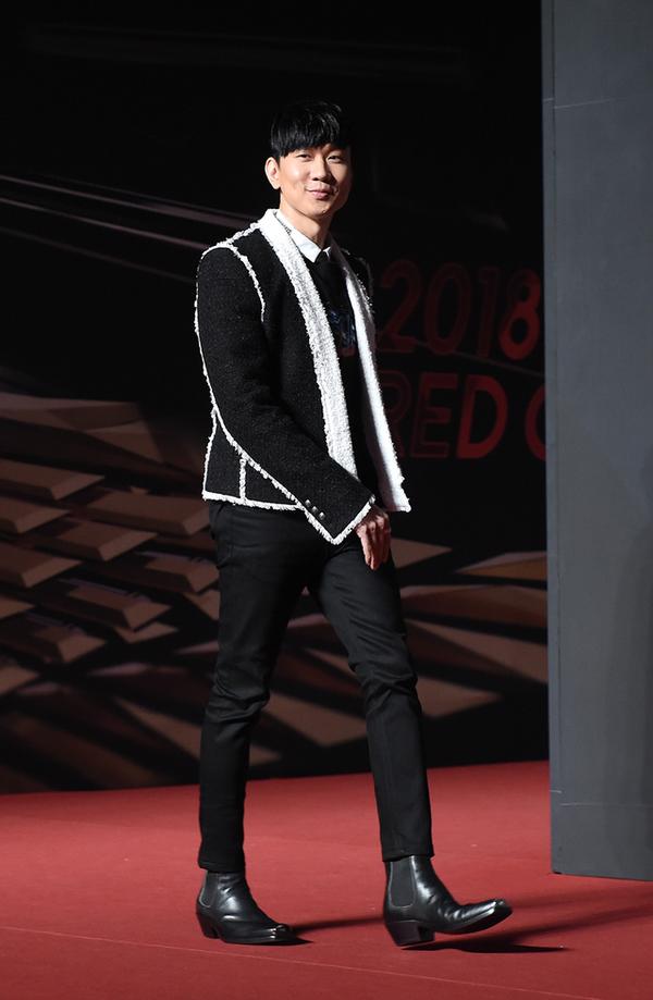 Song Joong Ki Angelababy du tham do MAMA Hong Kong