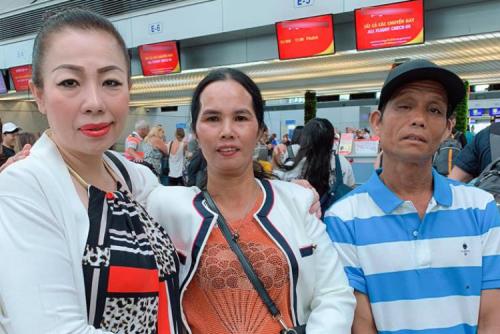 Bo me HHen Nie sang Thai Lan co vu con gai thi Miss Universe