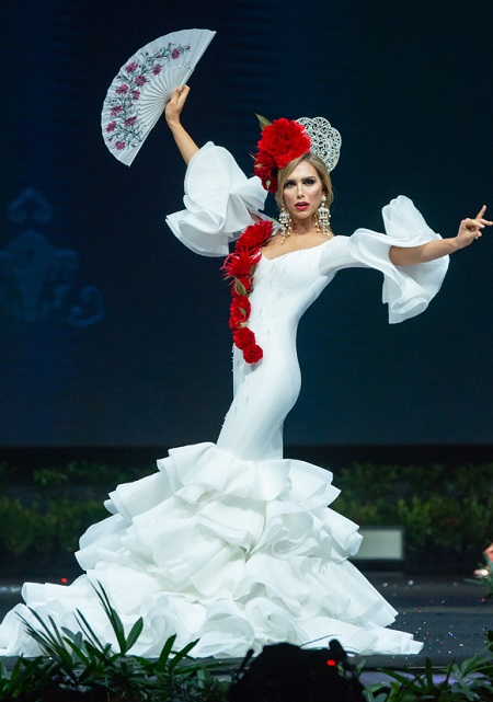 Miss Universe ton vinh nguoi chuyen gioi tai chung ket