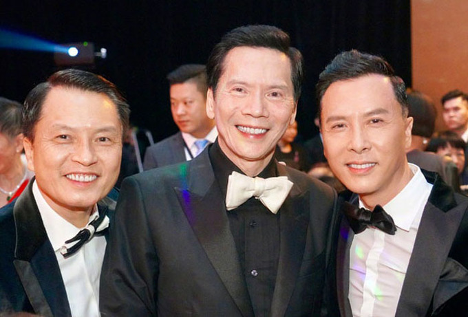 Luu Duc Hoa hat Chan Tu Dan mua vo mung tho trum Hong Kong