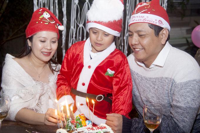 Thanh Thuy to chuc tiec sinh nhat chong o Da Lat