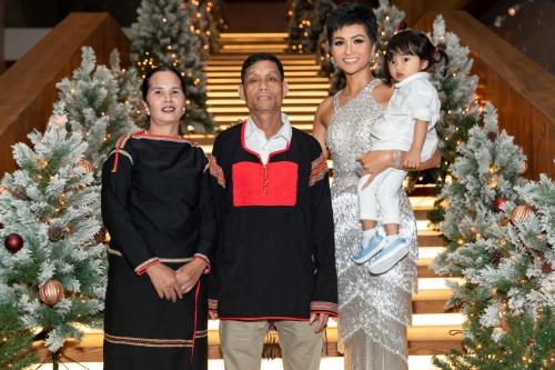 Mai Phuong Thuy HHen Nie dep va thong minh
