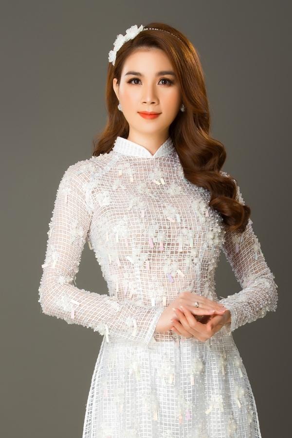 Kha Ly gợi ý sáu kiểu áo dài đón năm mới