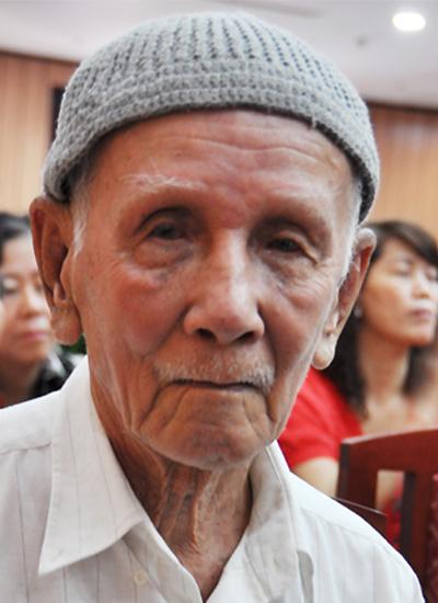 Nhà văn Trần Kim Trắc tại Lễ tổng kết hoạt động năm 2012 của Hội Nhà văn TP.HCM