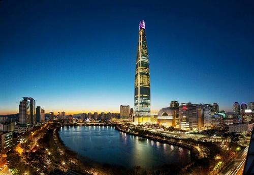 Tòa tháp  Lotte World giàu có và đắt đỏ nhất Hàn Quốc.