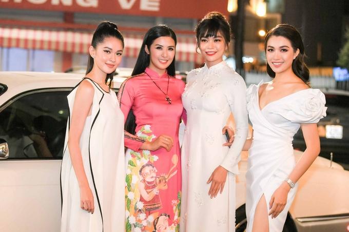 Hoa hậu Ngọc Hân trình làng bộ sưu tập Tết 2019