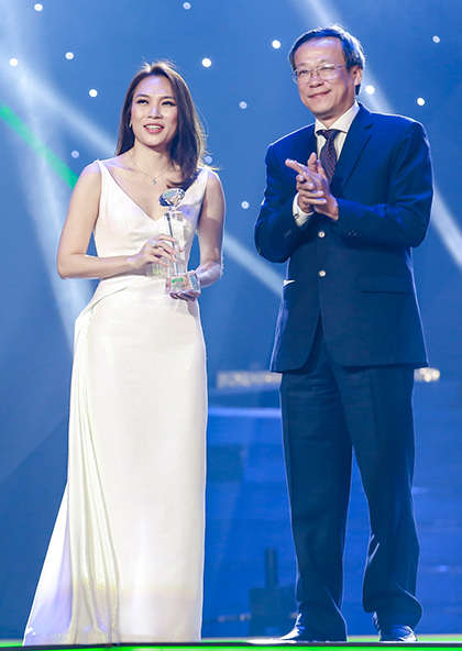 Ca sĩ Mỹ �Tâm được vinh danh ở Làn Sóng Xanh 2018.