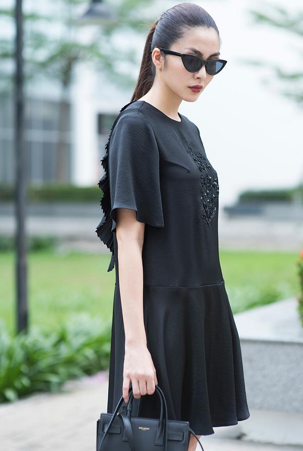 Tăng Thanh Hà thiết kế váy áo cho Tết Kỷ Hợi