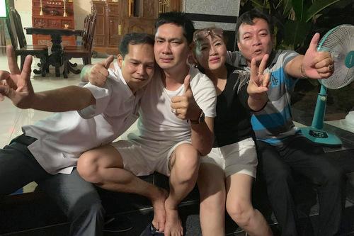 nghe-si-khoc-di-bao-mung-viet-nam-vao-tu-ket-asian-cup