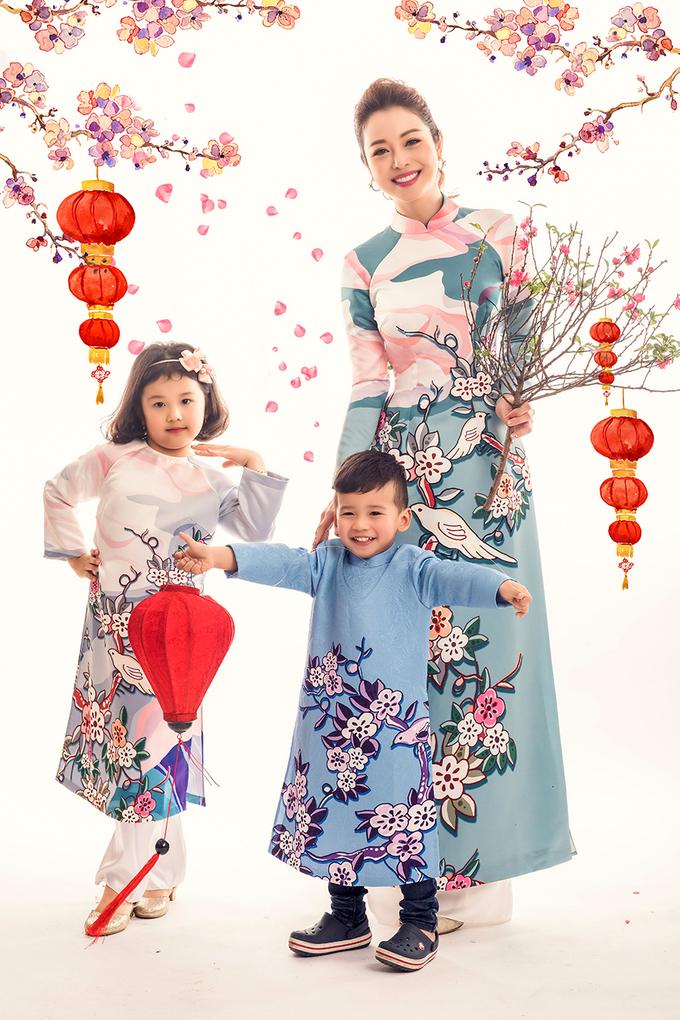 Gia đình Jennifer Phạm sum vầy trong bộ ảnh xuân