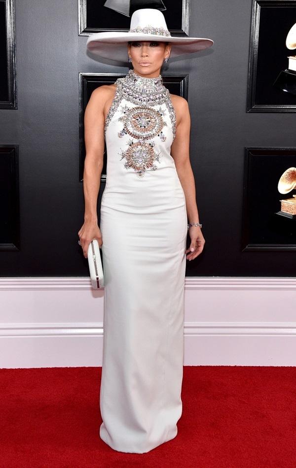 Jennifer-Lopez-1549859347_680x0.jpg