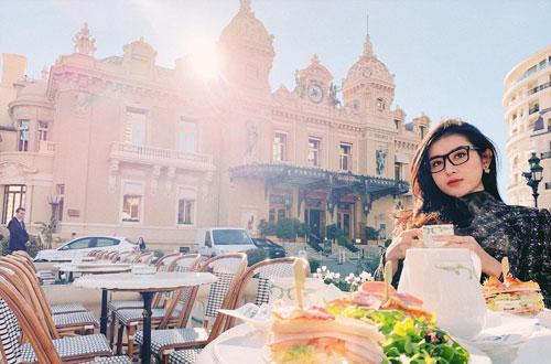 Huyền My yêu thích ăn sáng tạitòa nhà Monte Carlo (Monaco). Người đẹp chia sẻ năm nay cô sẽ đẩy mạnhviệc đóng phim cũng như làm MC.