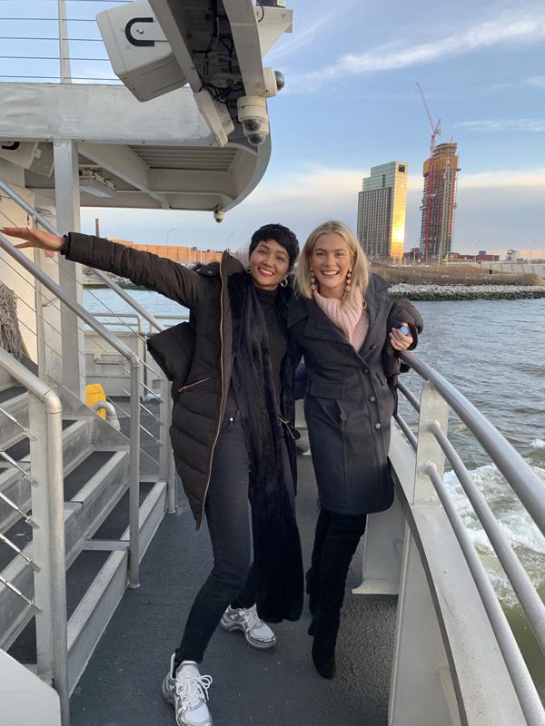 Hoa hậu Mỹ đưa H'Hen Niê tham quan New York