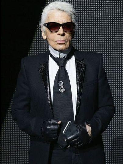 Karl Lagerfeld luôn chỉn chu và thời thượng khi đứng trước công chúng.