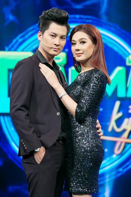 Lâm Khánh Chi và chồng đã lên chức bố mẹ.