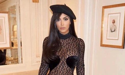 kim-kardashian-gay-chu-y-khi-mac-ho-tao-bao