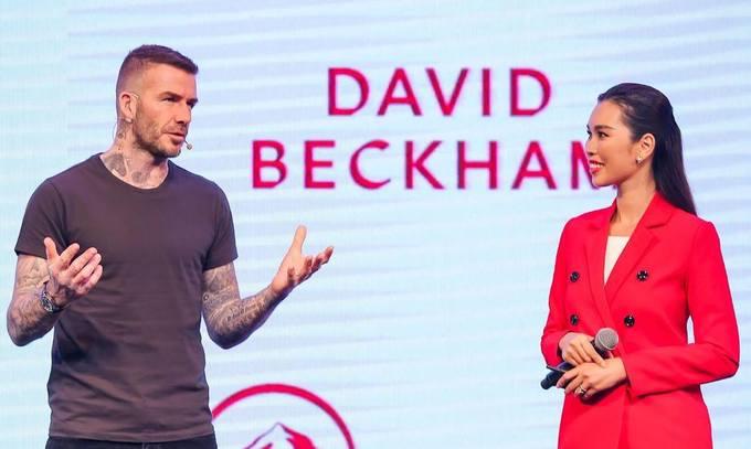 David Beckham cưng nựng con gái Hà Anh ở Sài Gòn