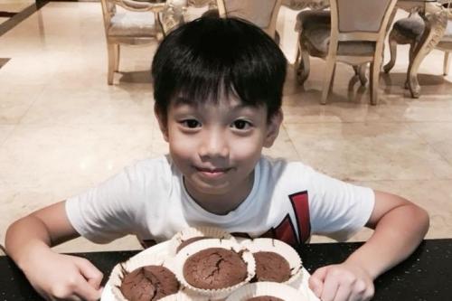 Subeo(tên thân mật của Nguyễn Quốc Hưng) sinh năm 2010, là con trai duy nhất của Hồ Ngọc Hà với chồng cũ Nguyễn Quốc Cường (Cường Đôla). Từ khi mới chào đời, cậu bé đã trở thành tâm điểm của truyền thông. Ở tuổi lên chín, Subeo được bố mẹ nhận xét là chững chạc hơn so với bạn bè đồng trang lứa.