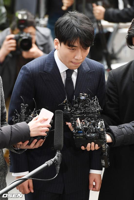 Ca sĩ Seungri xin lỗi những người bị tổn thương vì anh.