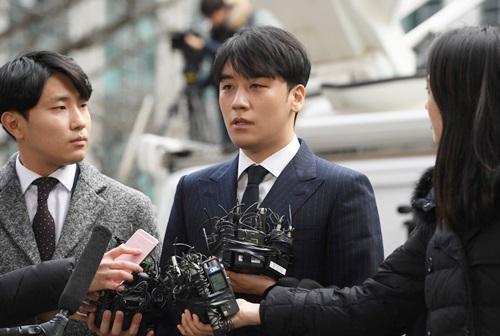 Lời khai của A có lợi cho Seungri, khiến cảnh sát khó buộc anh tội môi giới mại dâm