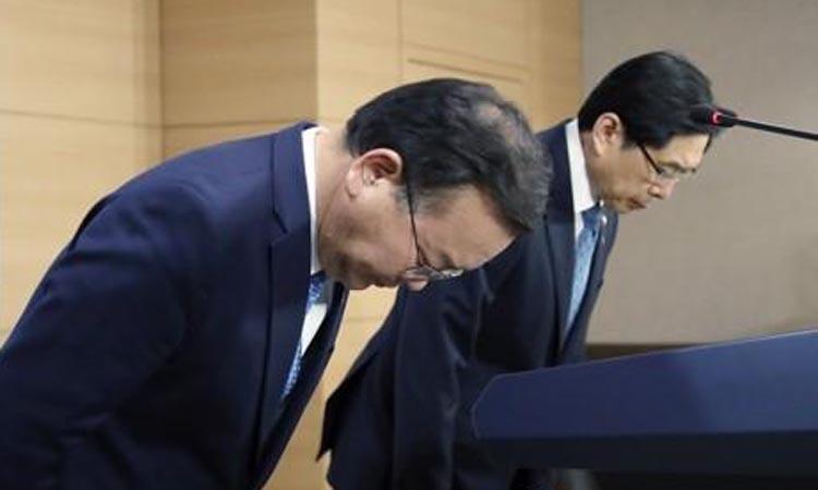 Hai bộ trưởng Hàn Quốc xin lỗi vì bê bối của làng giải trí - Giải Trí