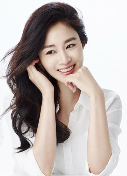 Nhan sắc khuynh đảo một thời của ngọc nữ Kim Tae Hee - 12