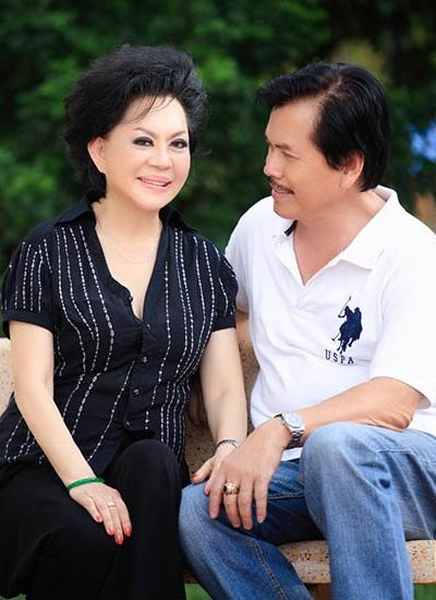 Vợ chồng Giao Linh sau hơn 30 năm gắn bó.