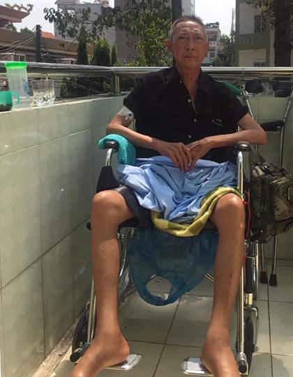 Gia đình cho biết nghệ sĩ Lê Bình bị liệt nửa người.