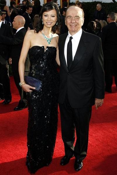 Đặng Văn Địch sinh 8/12/1968 là vợ thứ ba của Trùm truyền thông Chủ tịch và Tổng giám đốc tập đoàn News Corporation Rupert Murdoch.