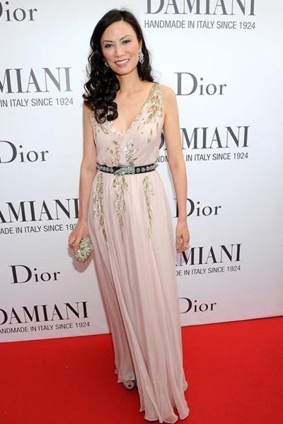 Tủ đồ của bà Địch gồm nhiều váy áo, túi xách, giày... xa xỉ đến từ Dior,