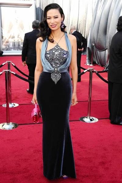 Nữ tỷ phú giàu bậc nhất Trung Quốc chuộng váy khoét ngực - 6