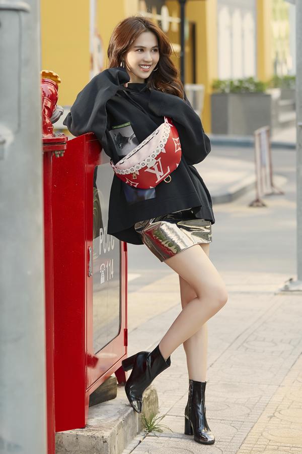 Ngọc Trinh diện loạt túi hiệu mới trên phố
