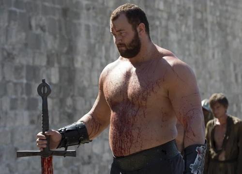 Chuyện tình sao khổng lồ Game of Thrones và vợ thấp hơn nửa mét - ảnh 9
