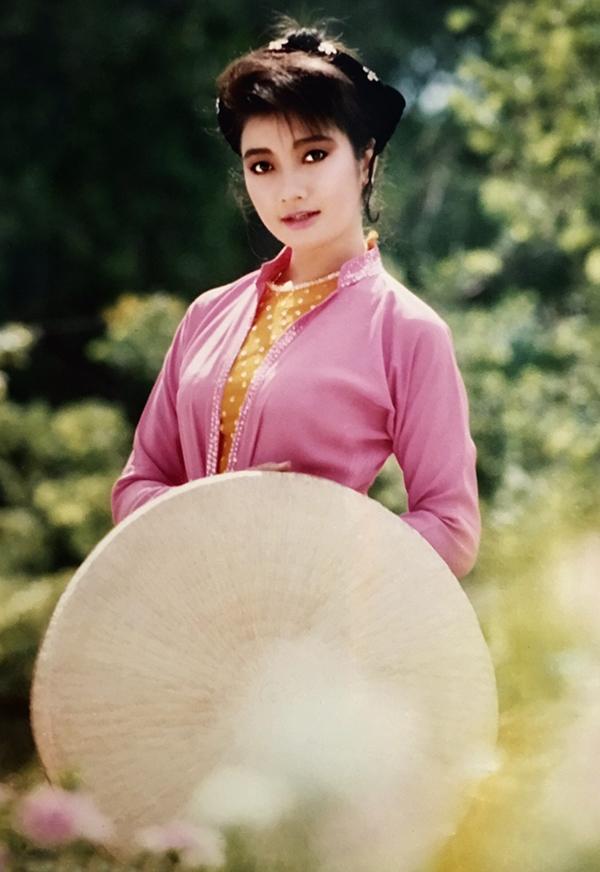 Nhan sắc một thời của Việt Trinh, Y Phụng, Lý Thu Thảo