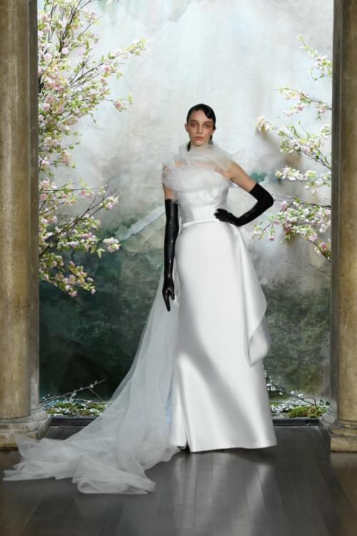 Bộ sưu tập đầm cưới của NTK Việt Nam xuất hiện trên báo Mỹ - ảnh 11