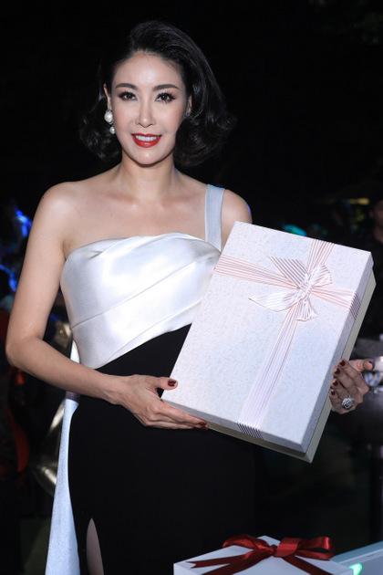 Sao Việt tặng quà sinh nhật Ngoisao để đấu giá từ thiện - ảnh 3