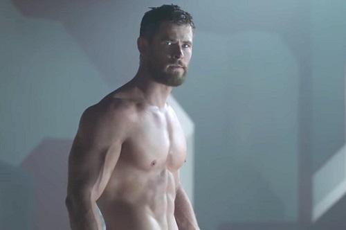 Chris Hemsworth trong Thor: Ragnarok.