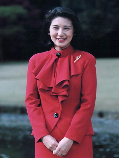 Phong cách thời trang của tân hoàng hậu Nhật Bản - 4