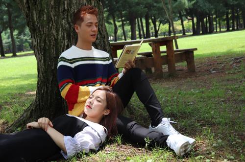 Đăng Khôi đóng cặp diễn viên Hàn kém 13 tuổi trong MV.