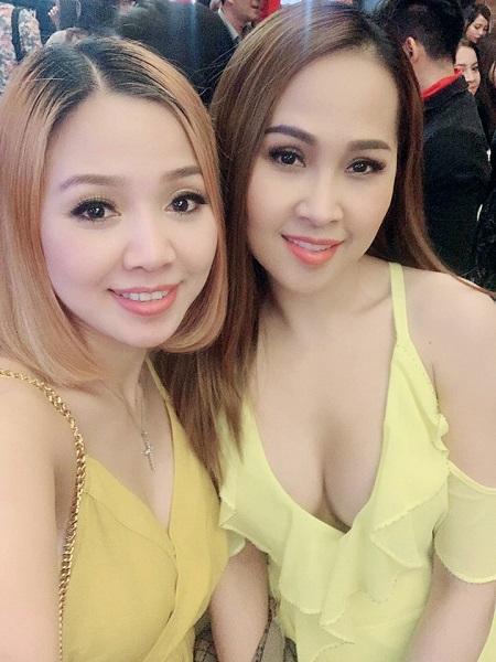 Diễn viên Minh Thư (phải) nổi tiếng với phim Gái nhảy.