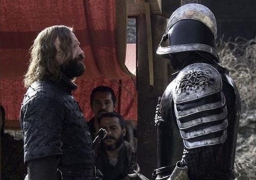 Trận chiến giữa hai anh em Clegane - được trông chờ nhiều năm qua - diễn ra trong tập mới.