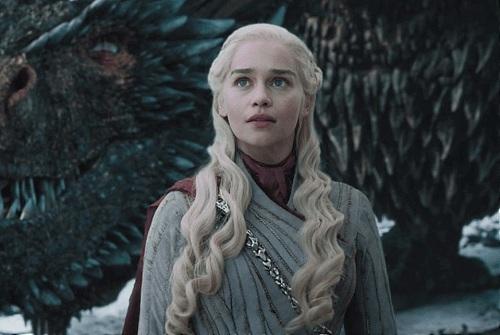 Diễn viên Emilia Clarke trong vai Mẹ Rồng Daenesrys. Ảnh: HBO.
