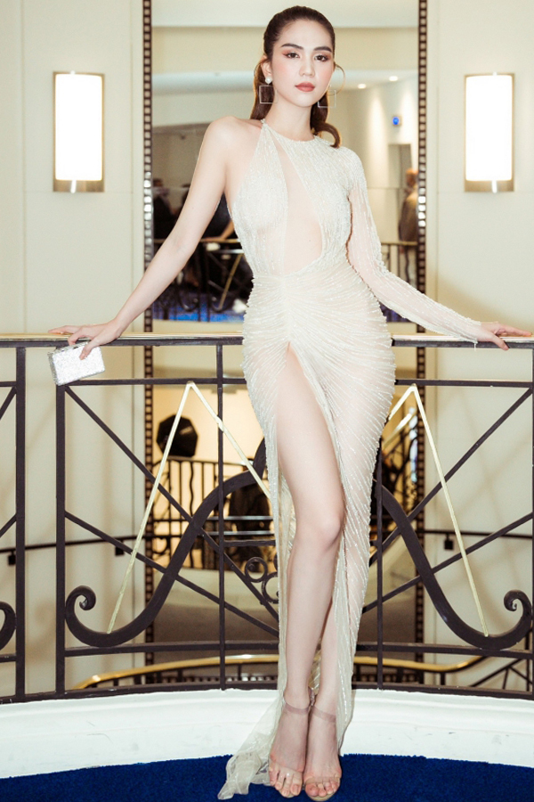 Ngọc Trinh dự tiệc cùng thiên thần Victoria's Secret ở Cannes