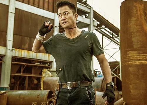 Anh em nhà Russo cũng là cố vấn hành động cho đạo diễn/diễn viên Ngô Kinh trong Chiến lang 2 - phim ăn khách nhất mọi thời ở Trung Quốc.